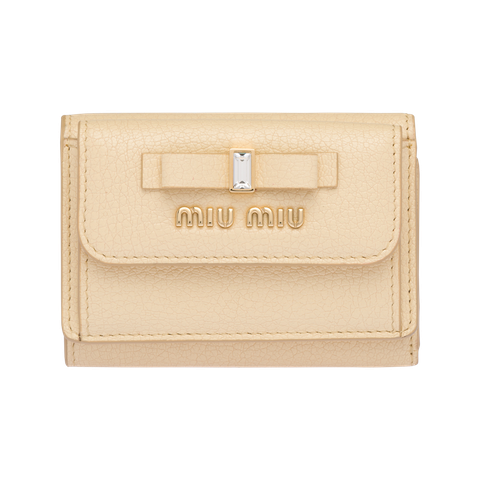 Wallet, Beige, Fashion accessory, Material property, Bag, Rectangle, Handbag, Leather, Brand, Coin purse,