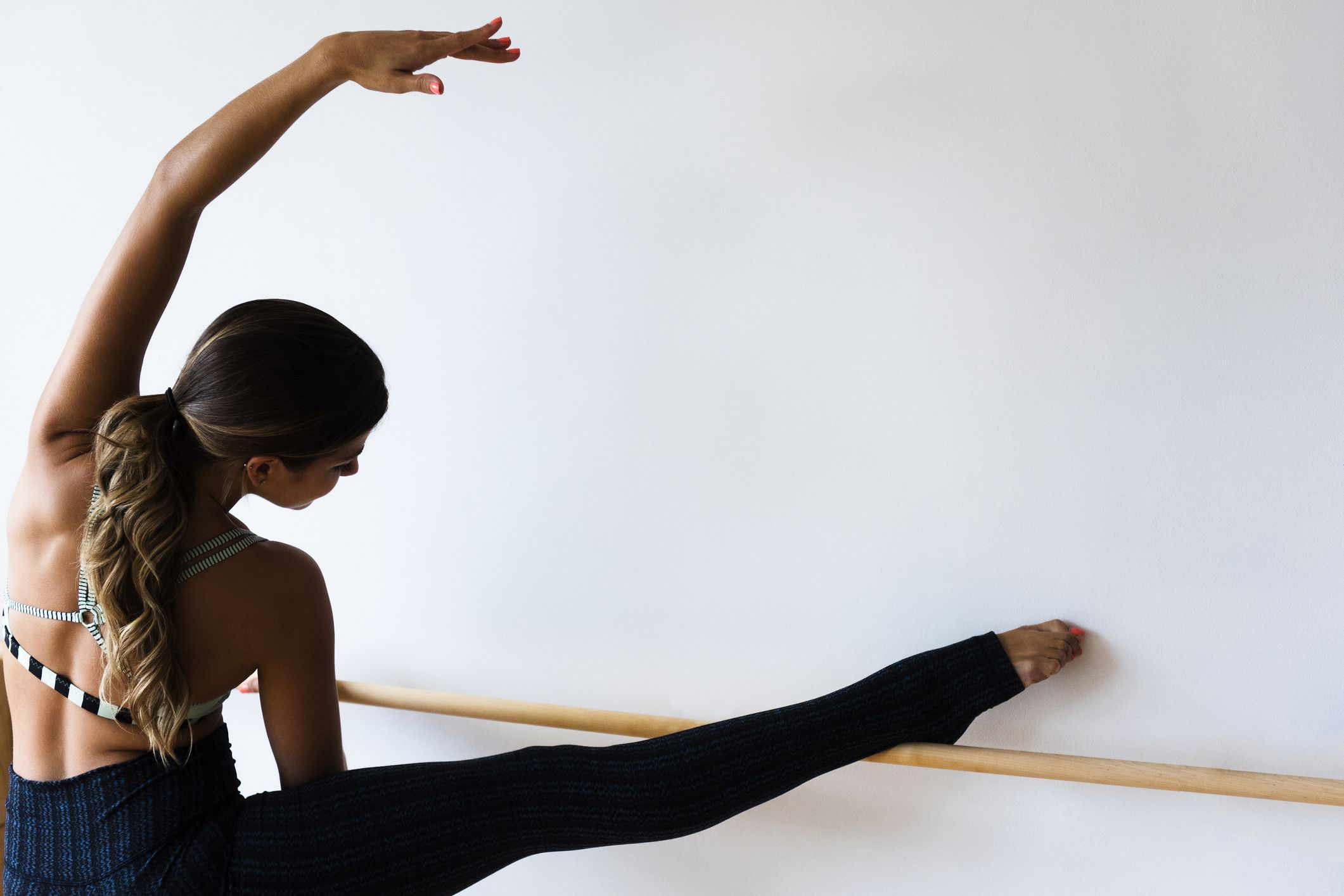 Barre: A Beginner's Guide + How to Do it at Home For Serious Full Body Toning