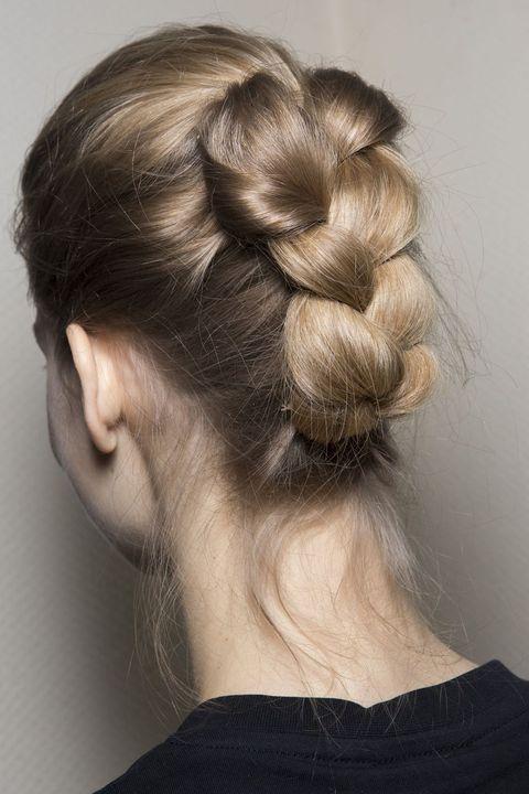 ウエディングで真似したい魅力的なヘアアレンジ