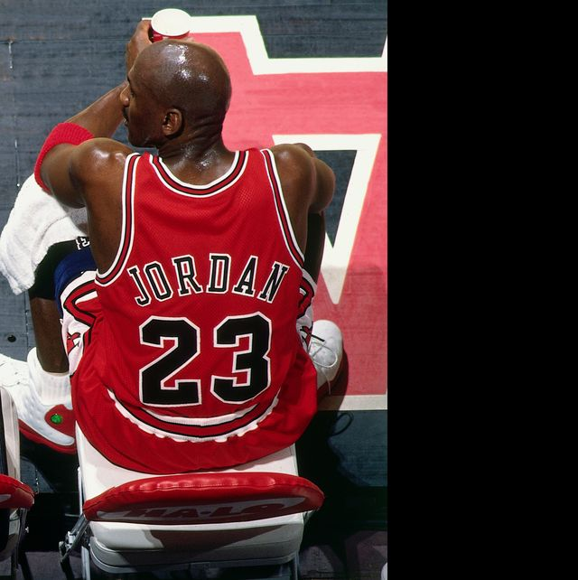 vancouver, bc   january 27  scottie pippen 33 and michael jordan 23 of the chicago bulls sit on the bench during the game against the vancouver grizzlies at general motors place on january 27, 1998 in vancouver, british columbia, canada note to user user expressly acknowledges and agrees that, by downloading and or using this photograph, user is consenting to the terms and conditions of the getty images license agreement mandatory copyright notice copyright 1998 nbae photo by andy haytnbae via getty images
