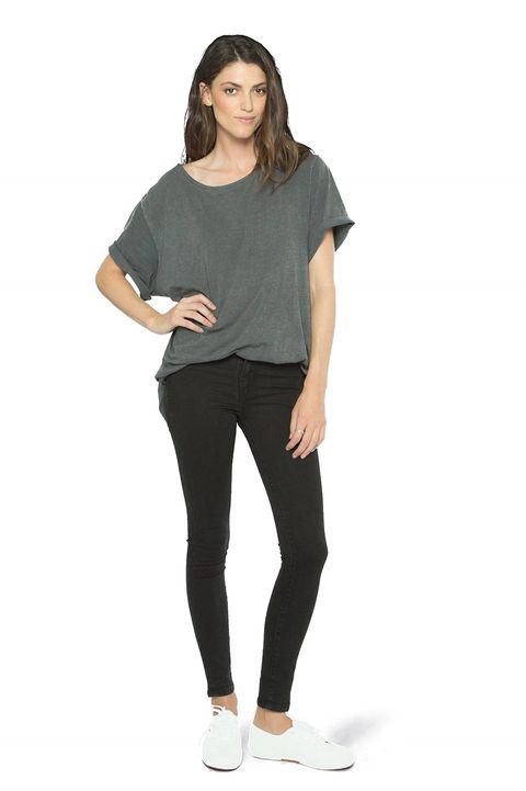 Clothing, Shoulder, Black, Leggings, T-shirt, Sleeve, Neck, Product, Standing, Jeans,