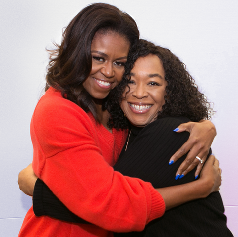 shonda rhimes and michelle obama hugging