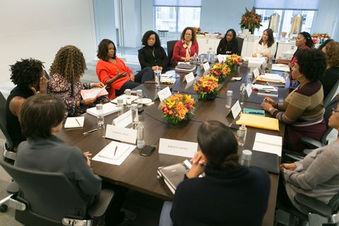 """Shonda Rhimes attends Michelle Obama's """"Becoming"""" book club"""