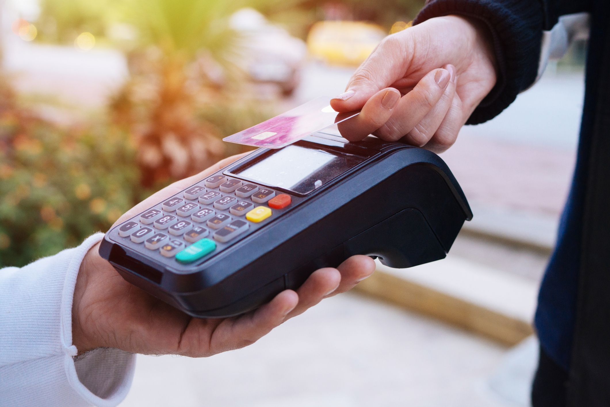 How to avoid contactless card fraud