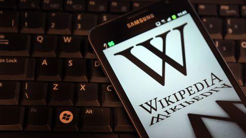 Wat krijg je als je Wikipedia uitprint?Duizenden en duizendenboeken.