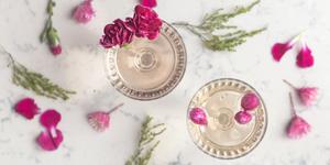 Alcoholvrije cocktails met eetbare bloemen