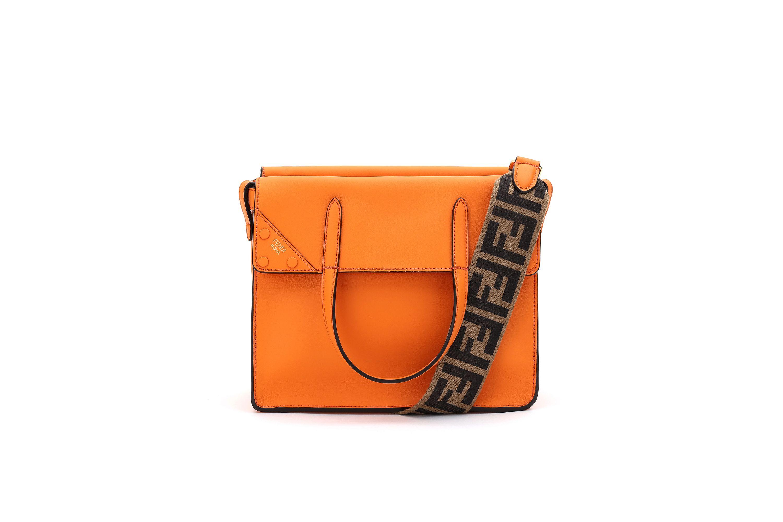 moda-2019-colore-arancione-borsa-fendi