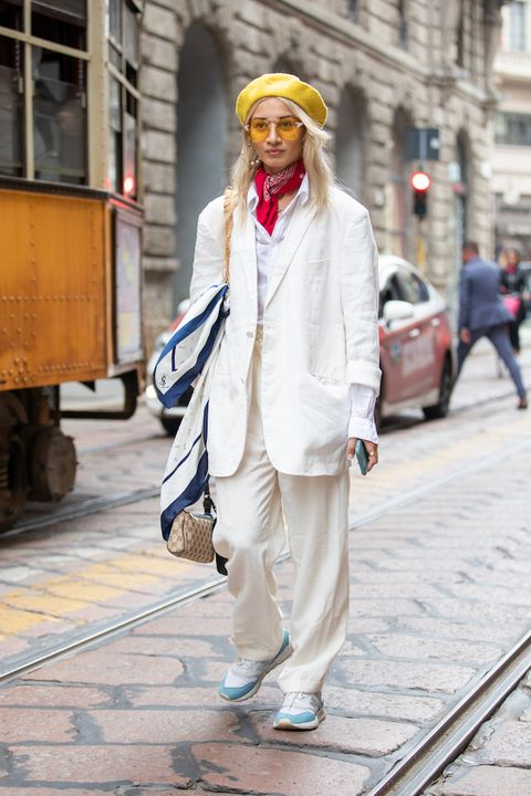 moda autunno inverno 2021 tailleur sneakers