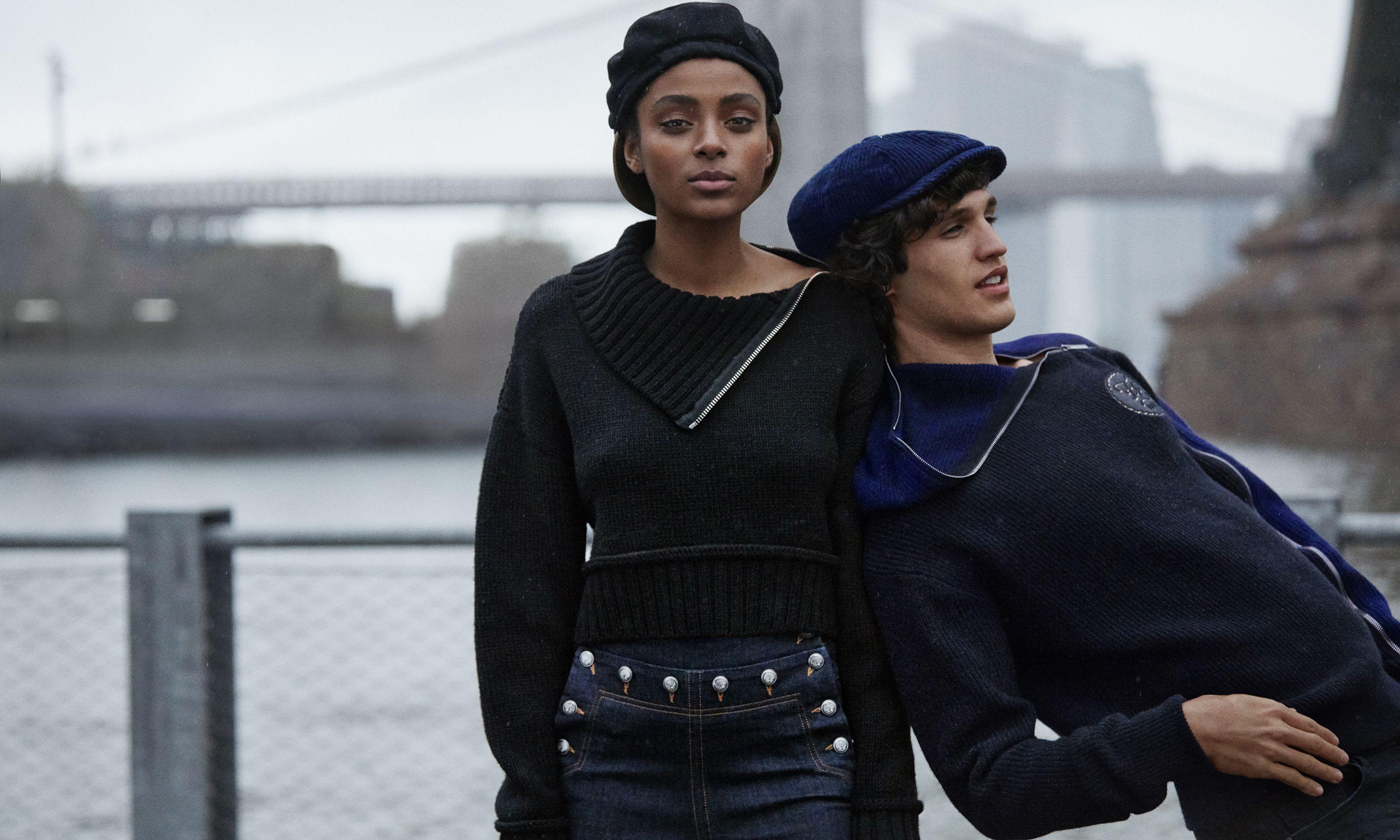 L'amore per i jeans questo Autunno Inverno 2019 2020 è un passo a due tra accostamenti innovativi e facili da portare