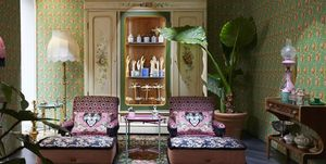 Modehuizen met interieurcollecties