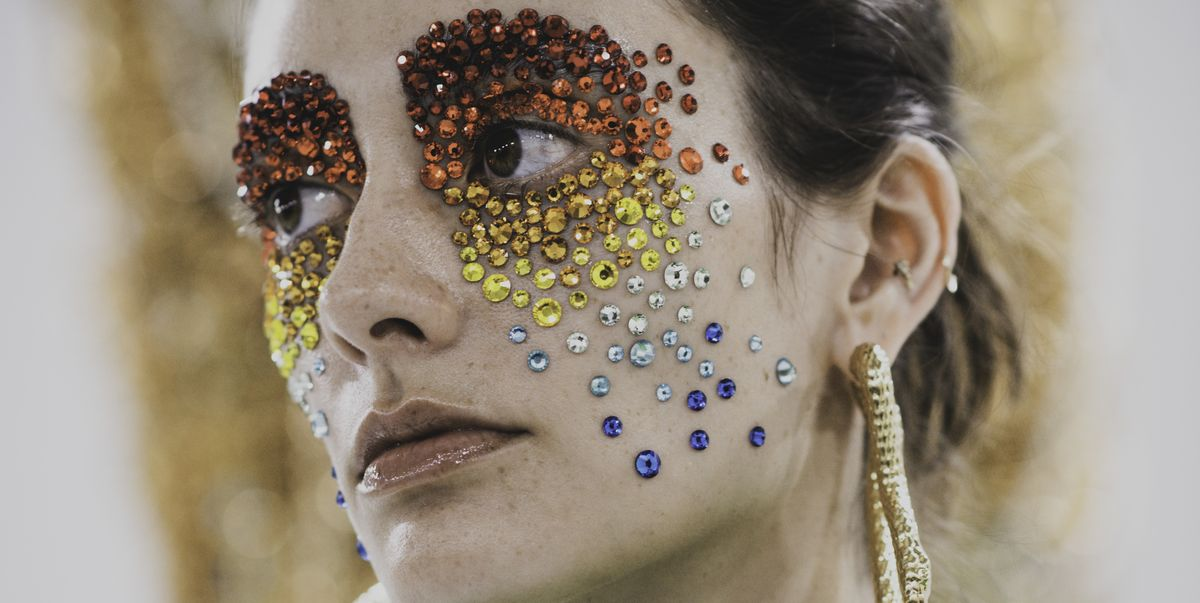 Why Facial Jewelry is Sweeping Fashion Right Now