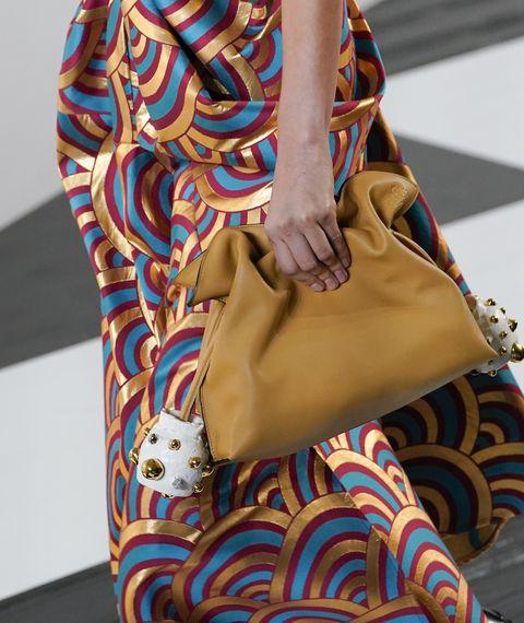 loewe  runway   paris fashion week womenswear fallwinter 20202021
