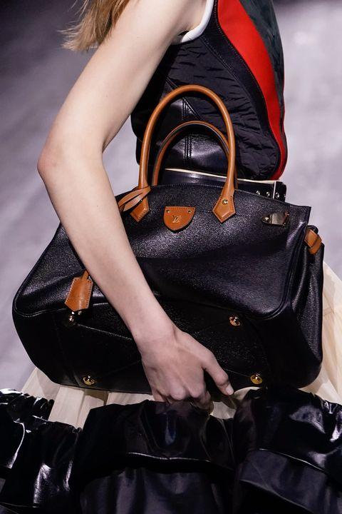 Louis Vuitton : Runway - Paris Fashion Week Womenswear Fall/Winter 2020/2021