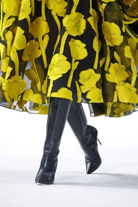 carolina herrera   runway   february 2020   new york fashion week