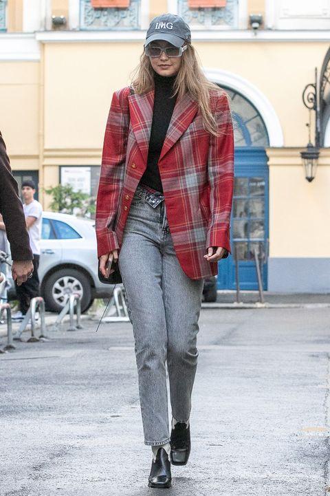 Plaid, Clothing, Street fashion, Photograph, Fashion, Jeans, Tartan, Red, Outerwear, Jacket,