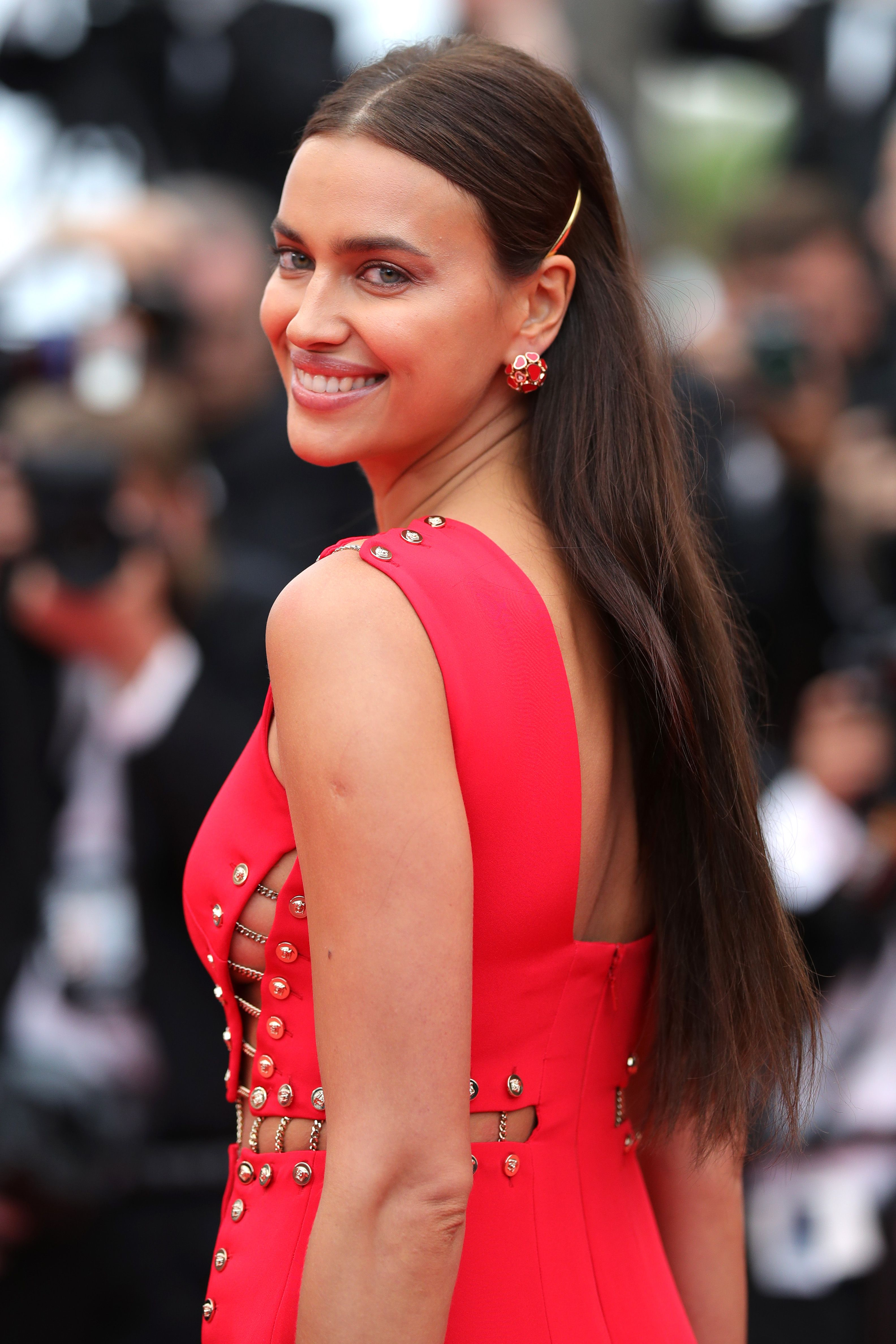 Irina Shayk Just Weighed in On *Those* Lip Injection Rumors