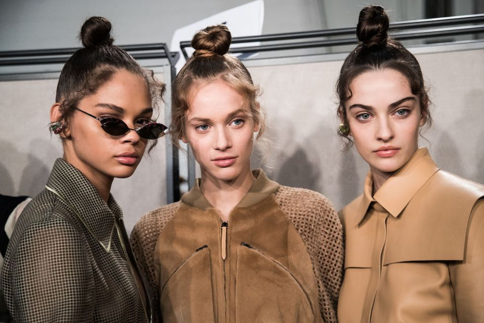 Here's How To Create The Perfect Holiday Messy Bun
