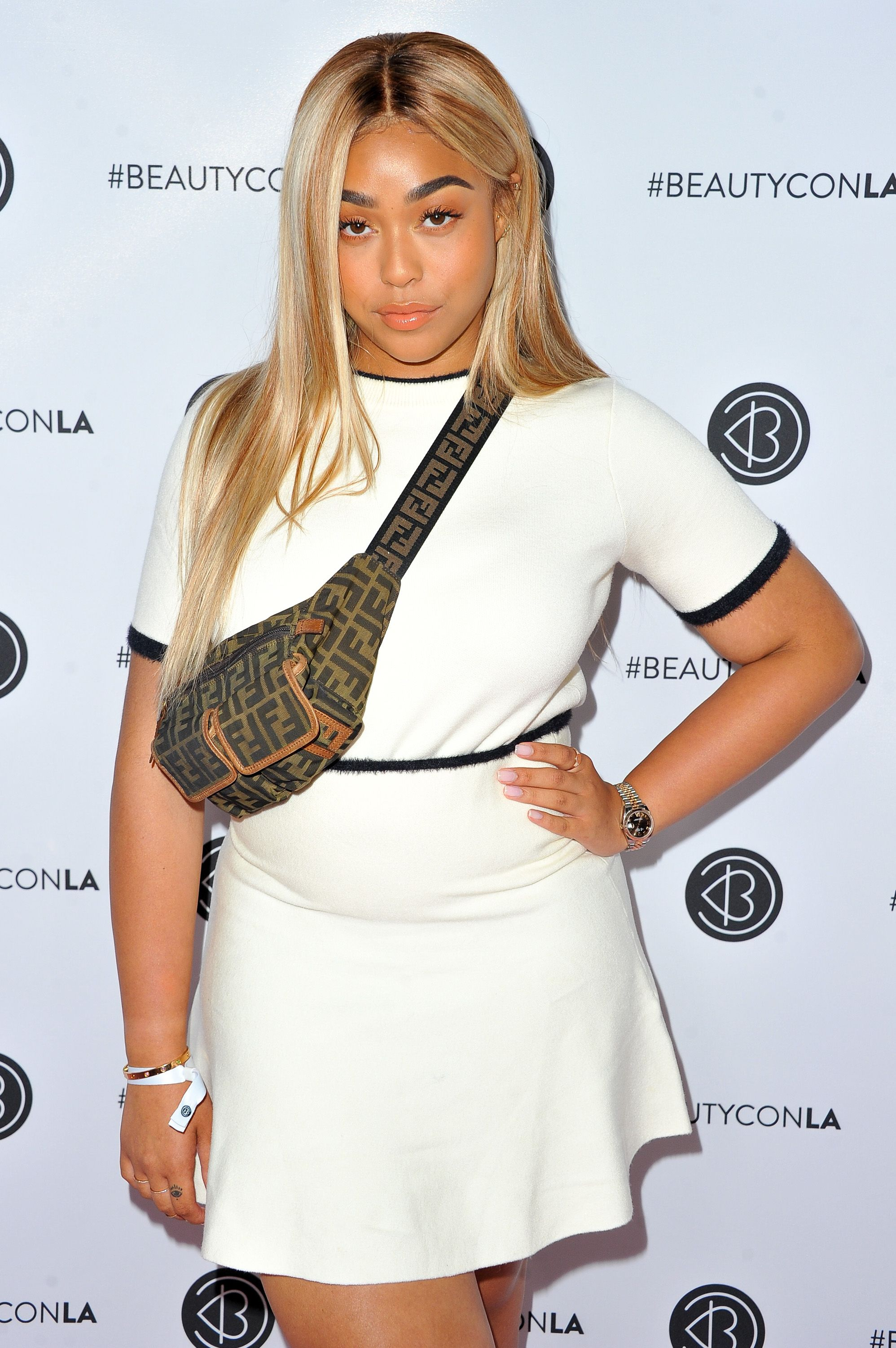 10 Celebrities Who Make Us Want to Go Blonde - Celebs With