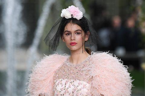 chanel  runway   paris fashion week  haute couture springsummer 2018