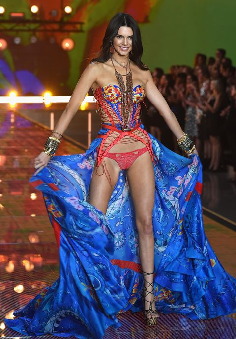 5beca456fa87d Kendall Jenner Wore Star Wings and Plaid Lingerie at Victoria s ...