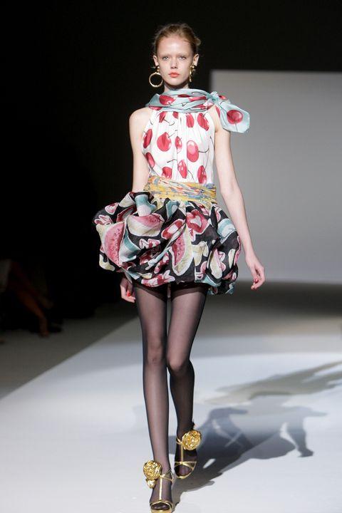 moschino   milan fashion week springsummer 2010
