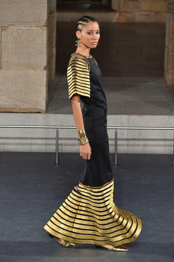 Chanel Metiers D'Art 2018/19 Show - Runway