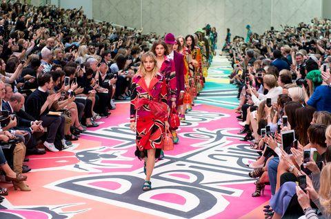 Burberry Prorsum Runway - London Fashion Week SS15
