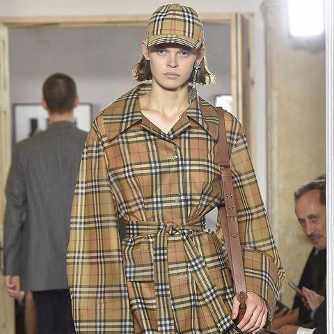 Burberry Prorsum - Runway RTW - Spring 2018 - London Fashion Week