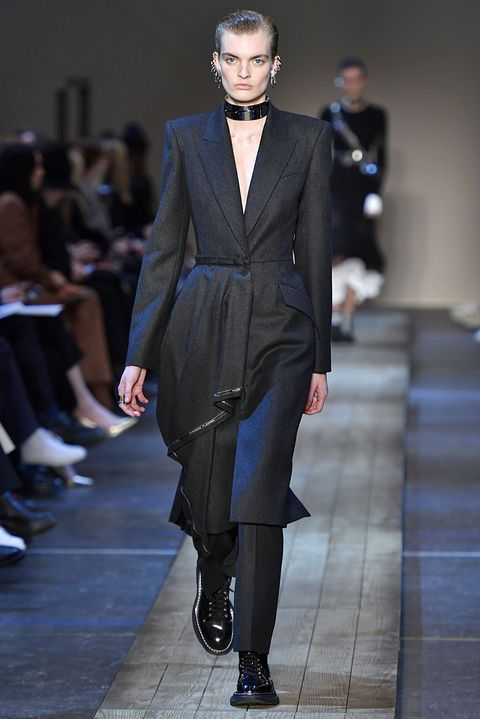low priced 135a5 69a62 The Exquisite Details at Alexander McQueen's Fall 2019 Show