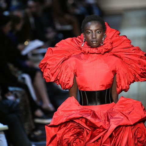 b1618c456e65d Alexander McQueen : Runway - Paris Fashion Week Womenswear Fall/Winter  2019/2020