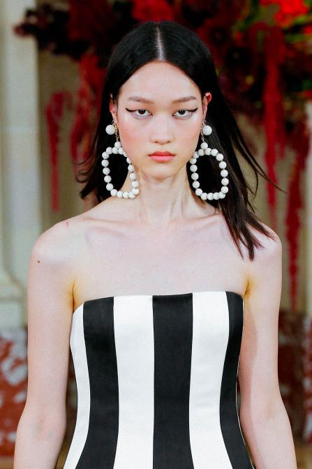 carolina herrera  runway spring summer 2022 new york fashion week