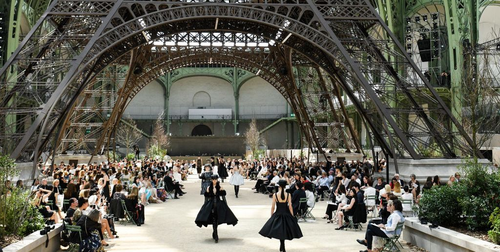 Chanel : Runway - Paris Fashion Week - Haute Couture Fall/Winter 2017-2018