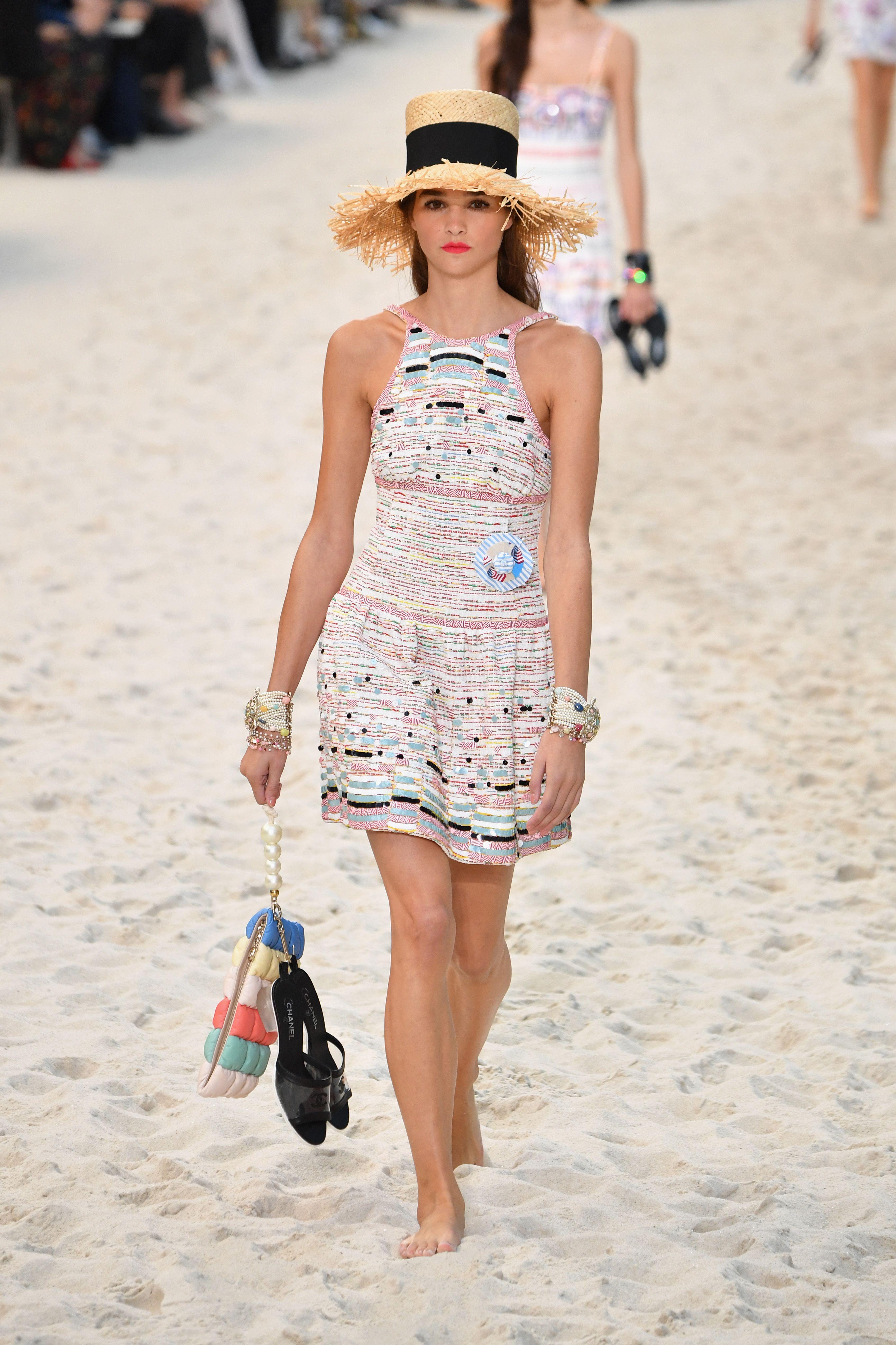 Chanel  Runway , Paris Fashion Week Womenswear Spring/Summer 2019