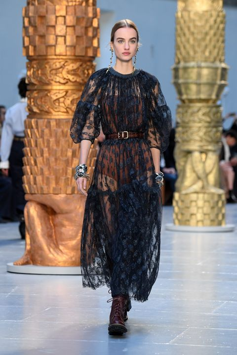 chloe  runway   paris fashion week womenswear fallwinter 20202021