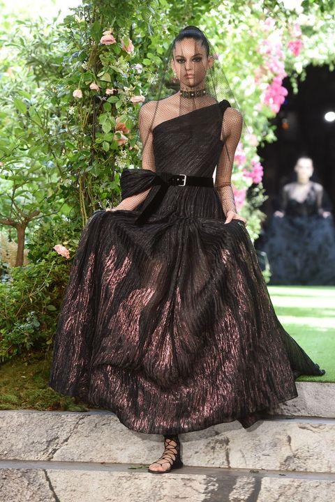 Christian Dior : Runway - Paris Fashion Week - Haute Couture Fall/Winter 2019/2020
