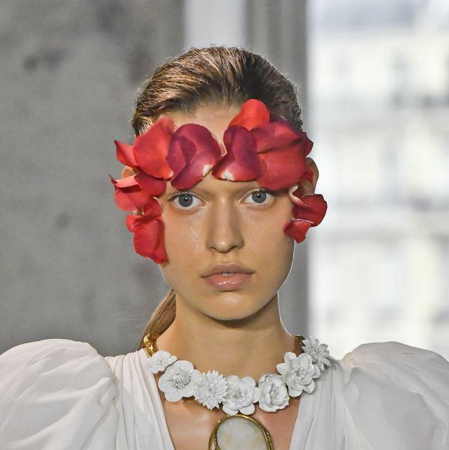 Giambattista Valli : Details - Paris Fashion Week - Womenswear Spring Summer 2020