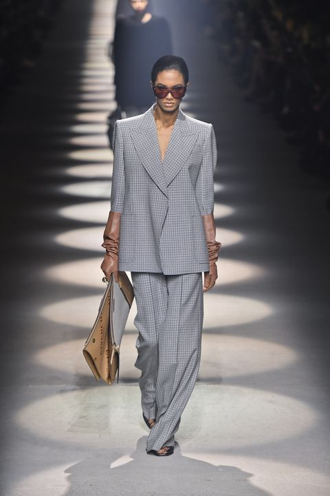 givenchy  runway   paris fashion week womenswear fallwinter 20202021