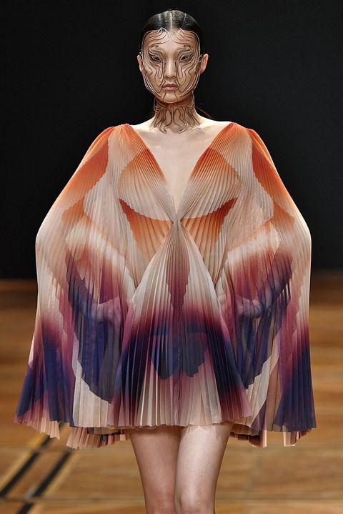 Iris Van Herpen : Runway - Paris Fashion Week - Haute Couture Spring Summer 2019