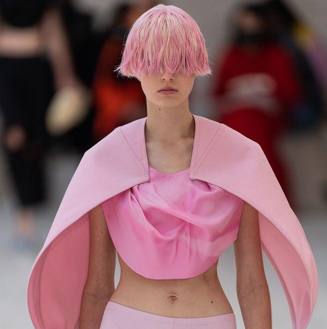 loewe runway spring summer 2022 paris fashion week