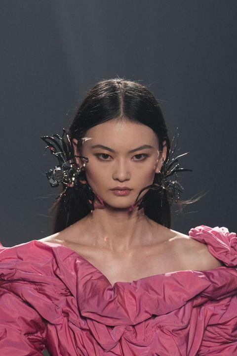 tendenze capelli primavera estate 2022 i look delle sfilate