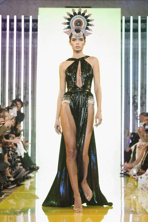 Vanessa Hudgens Put her Dancers Legs on Full Display