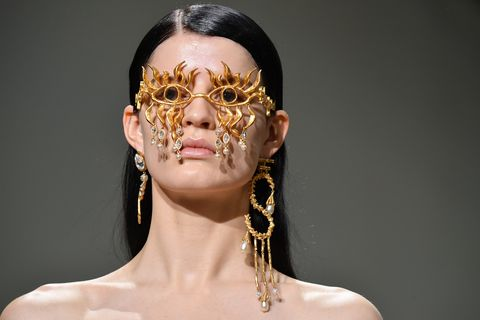 défilé schiaparelli paris fashion week haute couture printemps été 2020
