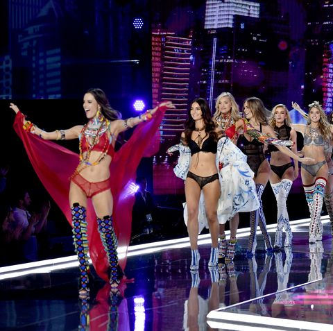 official photos e1921 27538 Victoria's Secret Fashion Show 2019 Guide to Models, Angels ...