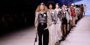 【巴黎時裝週】Louis Vuitton 推出超可愛「錄影帶包」!糖果色印花設計 每一款都想帶回家
