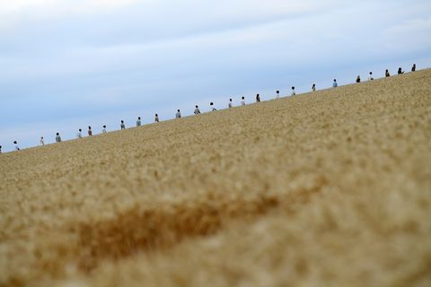 Jacquemus Creates Another Viral Catwalk Moment This Time In A Wheat Field