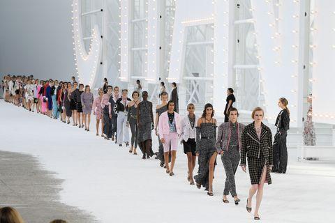 2021流行穿搭12大重點整理!女生衣櫥裡這幾樣單品一定要有