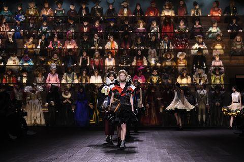 louis vuitton  runway   paris fashion week womenswear fallwinter 20202021