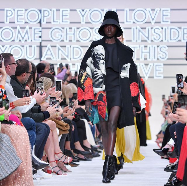 Valentino : Runway - Paris Fashion Week Womenswear Fall/Winter 2019/2020