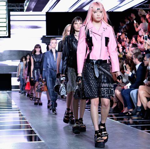 Louis Vuitton : Runway - Paris Fashion Week Womenswear Spring/Summer 2016