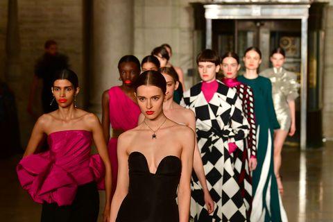 oscar de la renta   runway   february 2020   new york fashion week